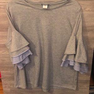 EUC Heathered Gray Sweatshirt w/ Ruffle Sleeves